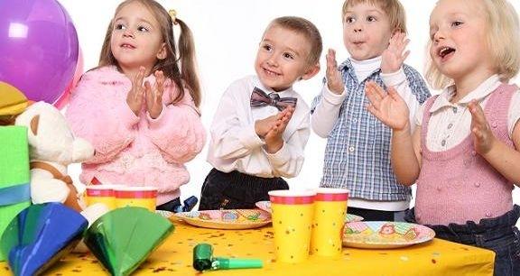 Развивающие игры для детей двух лет: дома и на улице